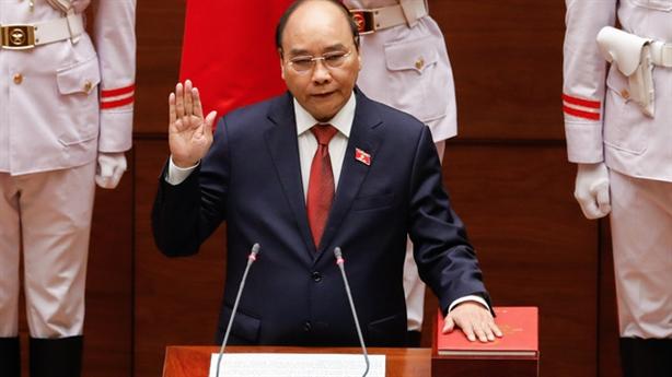 Tiếp tục giới thiệu ông Nguyễn Xuân Phúc làm Chủ tịch nước