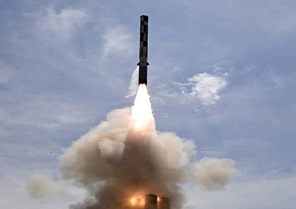 Vị giám đốc này cho biết thêm, sự khác biệt cơ bản của loại tên lửa này là nó được thiết kế để tiêu diệt các mục tiêu lớn và quan trọng trên không, ví dụ như máy bay tuần tra lắp đặt hệ thống radar cảnh báo sớm AWACS.
