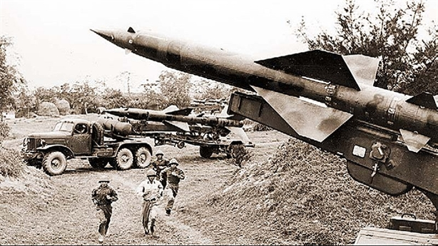 Ngày này năm xưa: SAM-2 lập chiến công đầu ở Việt Nam
