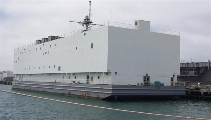 Tàu có sức chứa 56 sĩ quan và 228 thuyền viên.