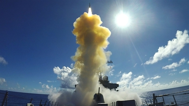 Mỹ tiết lộ sốc, 4 quả SM-6 diệt được 1 tên lửa
