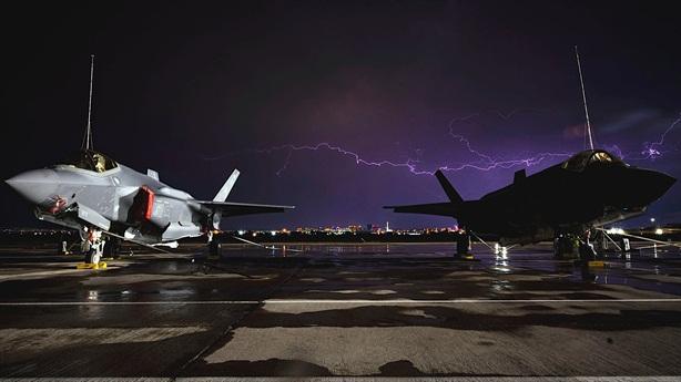 Mỹ dựng gấp cột thu lôi dã chiến bảo vệ F-35