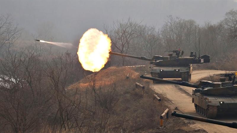 Báo Mỹ dẫn số liệu của tổ chức Kỷ lục Guinness Thế giới cho biết, hiện K2 ngất ngưởng ở ngôi đầu với mức giá lên tới 8,8 triệu USD, Type 10 của Nhật Bản trên 5 triệu USD, T-90 Nga trong khoảng trên 3 triệu USD, M1A1 của Mỹ trên 4 triệu USD...