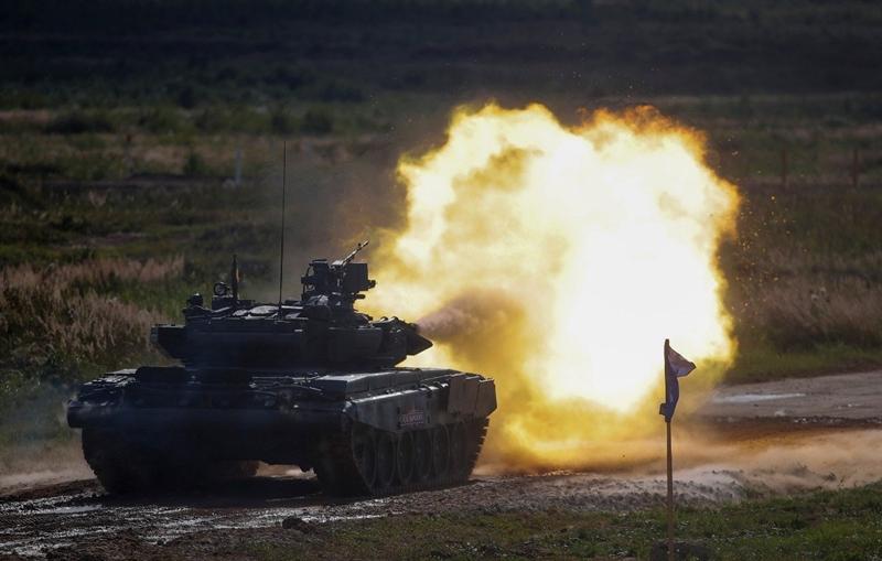 Khi Nga kỳ vọng vào loại giáp cùng những cỗ tăng tối tân như Armata, T-90 sẽ làm thay đổi cục diện chiến trường trong tương lai thì Pháp và Đức cũng bắt đầu lên kế hoạch sản xuất loại xe tăng mới có thể xuyên thủng mọi cỗ tăng, xe tăng được định danh Leopard 3. Nguồn tin quân sự Đức cho biết, xe tăng thế hệ mới có thể xuất hiện vào năm 2030, khi các đơn vị xe tăng Leopard-2 trong biên chế quân đội một số quốc gia châu Âu hết niên hạn sử dụng.