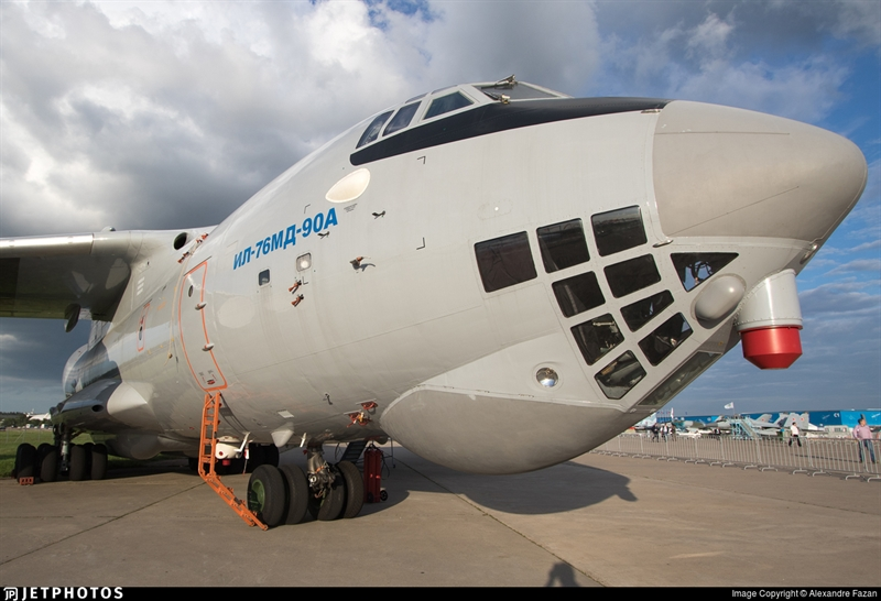 Điều đó làm giảm trọng lượng của cánh và tăng sức nâng, cũng như đơn giản hóa công nghệ chế tạo. Ngoài ra, máy bay vận tải hiện đại hóa còn nhận được động cơ PS-90A-76 nội địa mạnh mẽ hơn, giúp máy bay tăng khả năng cất - hạ cánh và bay, cũng như tăng khả năng chuyên chở và phạm vi hoạt động.
