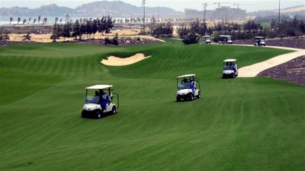 GĐ Sở, phó Cục thuế chơi golf giữa mùa dịch: 'Xử nghiêm'