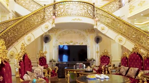 Hình ảnh đẹp của chủ biệt thự trăm tỷ ở Thanh Hóa