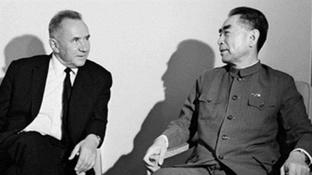 Báo Nga: Bắc Kinh mài dao, không chỉ riêng thời Gorbachev