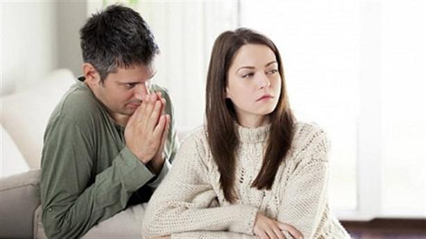 Tổn thương khi vợ thú nhận còn tình cảm với người cũ