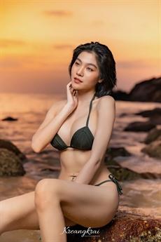 Tất cả đều không thể phủ nhận vẻ gợi cảm đến mê hồn của người đẹp Thái Lan.