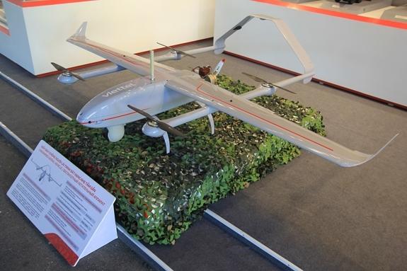 Theo Jane's, trong những sản phẩm giới thiệu gây được chú ý nhiều nhất đó là chiếc UAV Shikra của Viettel.