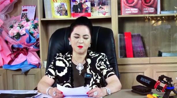 Bà Phương Hằng lần thứ hai tuyên bố dừng livestream
