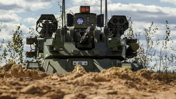 Robot hạng nặng Nga biết bảo nhau chiến đấu tại Zapad-2021