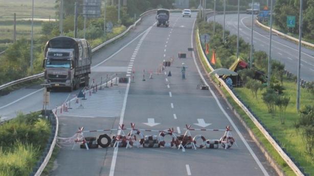 VEC chặn đường, dồn tuyến để thu phí: Có sai thẩm quyền?