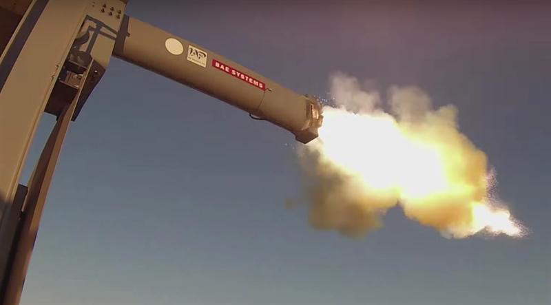 Chuyên gia Nga cho rằng, những viên đạn được bắn ra từ vũ khí điện từ không có đủ tốc độ để cạnh tranh với vũ khí tên lửa truyền thống.