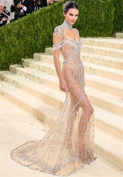 Mới đây, nữ người mẫu hàng đầu thế giới Kendall Jenner vừa có màn xuất hiện đình đám trên thảm đỏ Met Gala 2021.