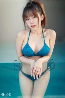 Làng giải trí Thái Lan mới đây tiếp tục dậy sóng với loạt ảnh mới nhất của người đẹp Sunna Dewa.