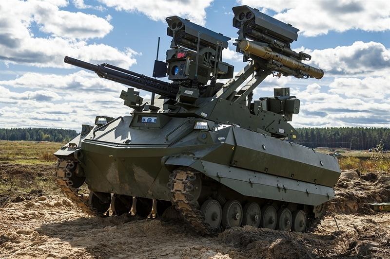 Báo Anh cho biết, khả năng của Uran-9 đã được nói đến từ trước đó nhưng phương Tây biết đến rõ hơn sức mạnh của nó trong cuộc tập trận chung giữa Nga và Belarus vừa qua mang tên Zapad-2021. Sức mạnh của Uran-9 khiến truyền thông phương Tây gọi là 'kẻ hủy diệt'.