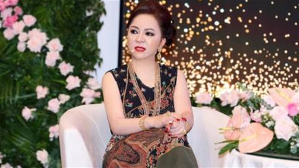 Bà Phương Hằng livestream gọi rõ tên, nói thủ thuật sao kê