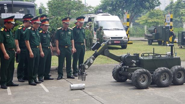 Robot RBH-18 đỉnh do quân đội Việt Nam tự phát triển