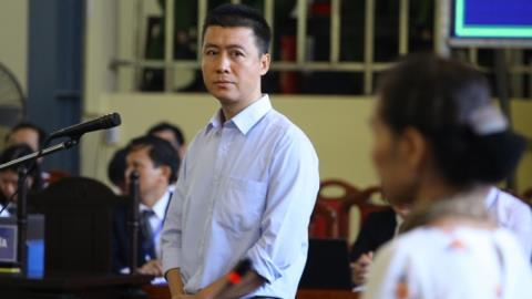Phan Sào Nam xin ứng 1 năm lương để thi hành án