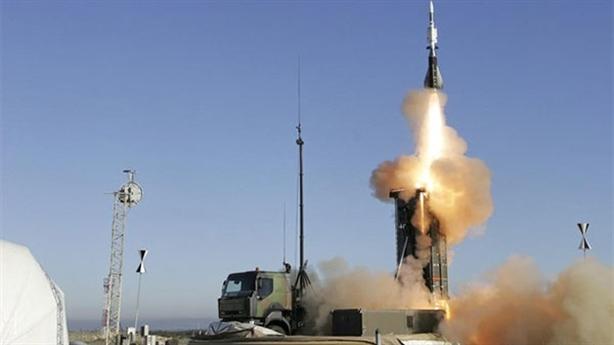 Pháp tăng tiền kỷ lục mua vũ khí độc lập với NATO