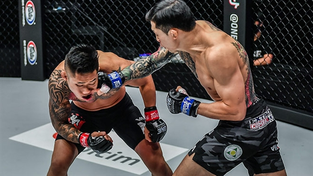 Martin Nguyễn rơi lệ sau thất bại trước