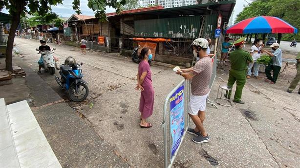 Tin vui từ Hà Nội; TP.HCM xin áp dụng quy định riêng