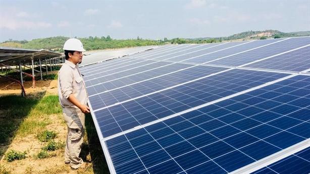 Sản xuất pin mặt trời: VN bỏ lỡ thị trường tỷ đô?