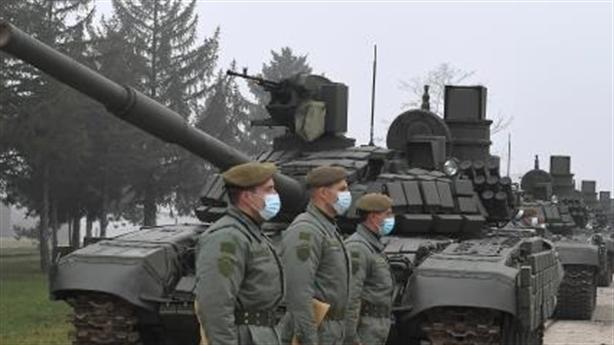 Nóng ở biên giới Serbia-Kosovo: Trưng khí tài của Nga