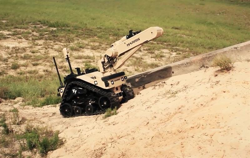 Quân đội Mỹ vừa ký với nhà sản xuất L3Harris Technologies bản hợp đồng trị giá 85 triệu USD để cung cấp 170 robot T7 cho lực lượng này. Những robot đầu tiên sẽ được chuyển giao ngay trong năm 2022.