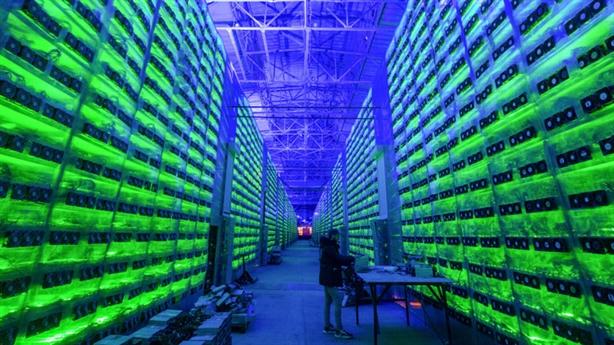 Mỹ, Trung Quốc siết tiền điện tử: Đâu là căn nguyên?