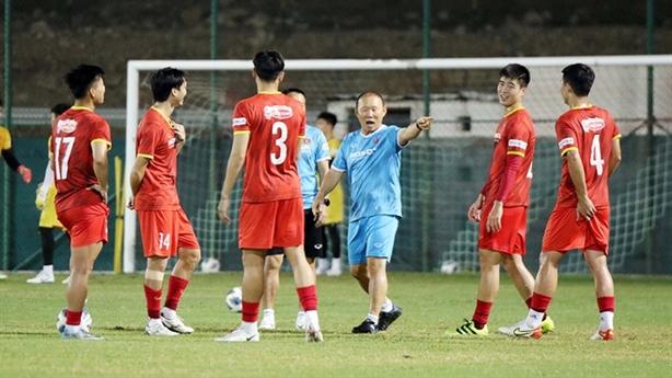 Tuyển Việt Nam đấu Oman: Vượt thử thách khó hơn Trung Quốc?