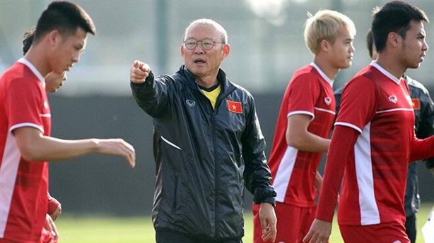 Thầy Park dùng trận thua Oman cảnh tỉnh...trình độ bóng đá Việt?