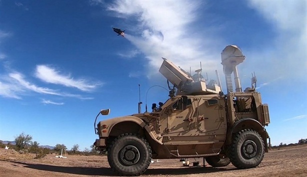 Mỹ dùng UAV đối phó đòn đánh bầy đàn UAV khác