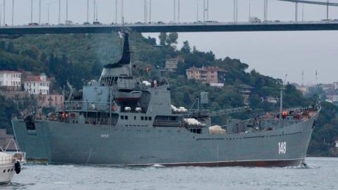 Nga điều tàu đổ bộ và vũ khí hạng nặng tới Syria?