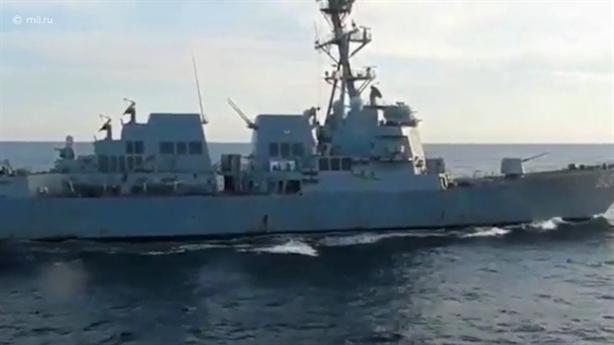 Mỹ im lặng khi Nga công bố video xua đuổi USS Chafee