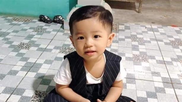 Bé trai mất tích khi chơi trước nhà: 'Không một tiếng khóc'
