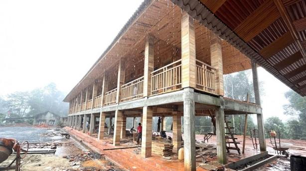 Thông tin nóng vụ trạm bảo vệ rừng 'khủng' ốp gỗ