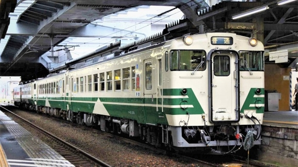 Nhập toa tàu cũ Nhật: Ngẫm công nghiệp đường sắt Việt Nam