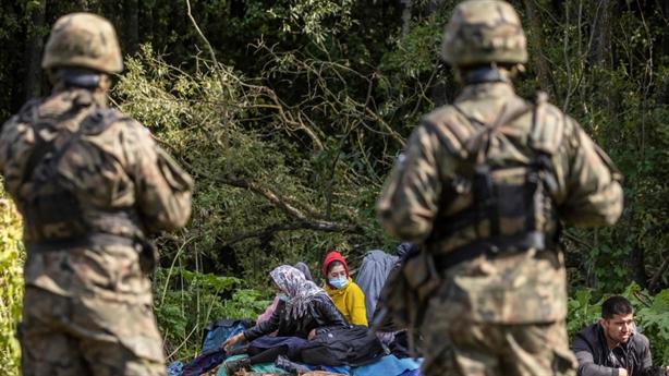 Châu Âu trừng phạt Belarus vì khủng hoảng di cư