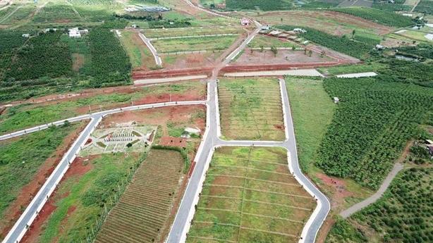 Chiêu hiến đất làm đường để phân lô tràn lan