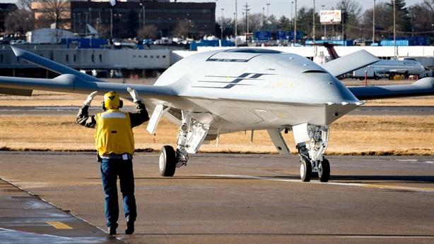 MQ-25 và F-35C Mỹ tạo nên