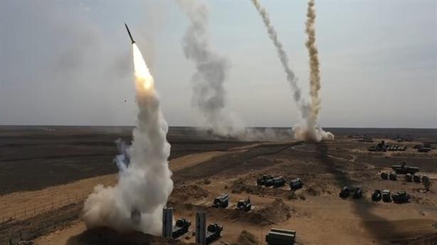 'Mỹ cấm vận làm tăng sức hấp dẫn vũ khí Nga'