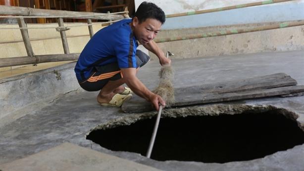 Hố tử thần 'nuốt' nhà dân Nghệ An: 7 chỗ nguy hiểm