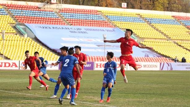 U23 Việt Nam thắng Đài Loan: Thầy Park chưa ưng ý
